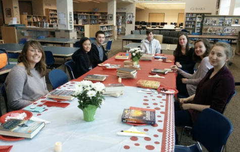 LNHS Book Club hosts book tasting